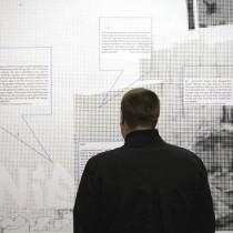 auf.einander.bauen: Die Baugruppenmittgielder kommen zu Wort. Zitate lesen in der Ausstellung